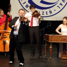 Cimbálová Muzika Milana Brouèka, Praha